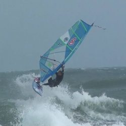 Ben au Surf Windsurf | Session Marin Port Leucate | Le Blog Surfone